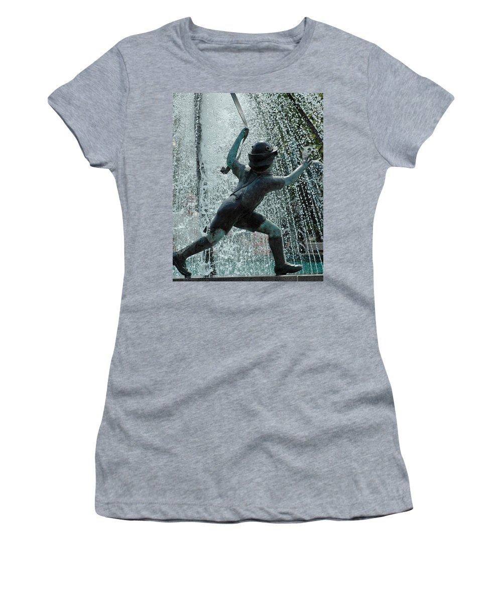 Usa Women's T-Shirt featuring the photograph Frankenmuth Fountain Boy by LeeAnn McLaneGoetz McLaneGoetzStudioLLCcom