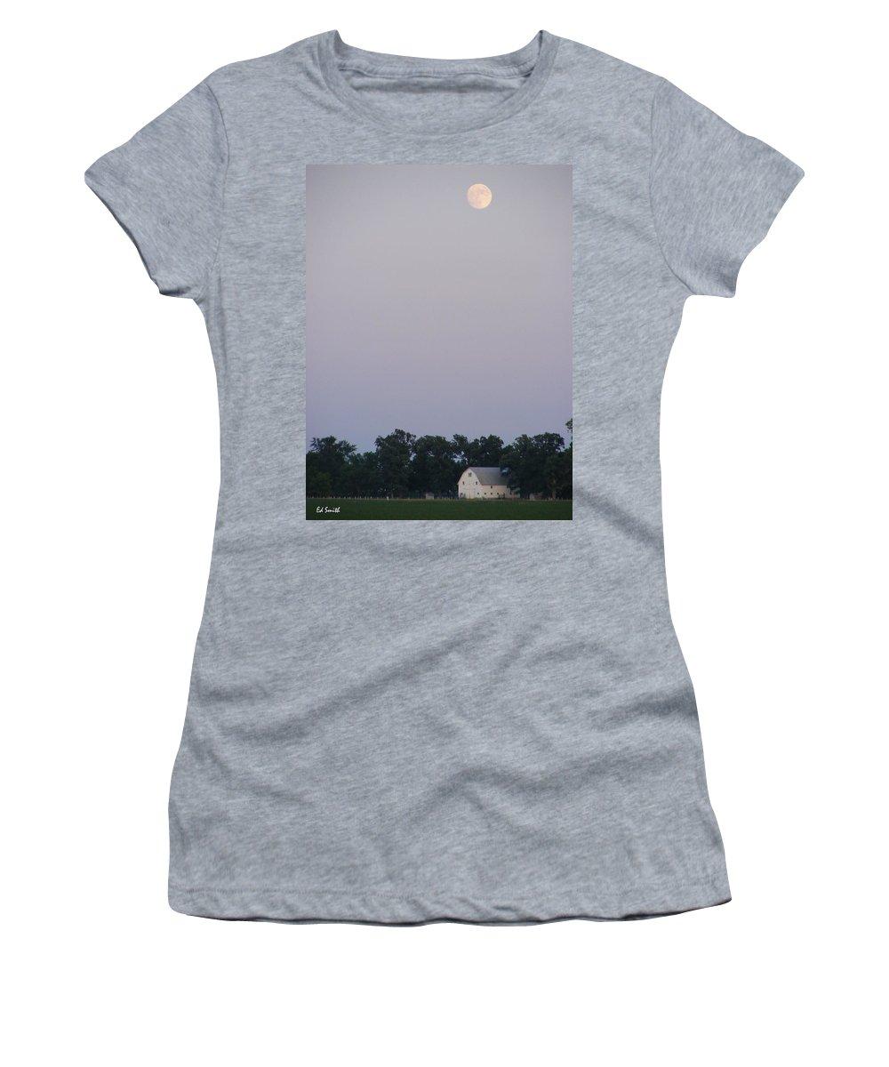 Good Night John Boy Women's T-Shirt featuring the photograph Good Night John Boy by Ed Smith