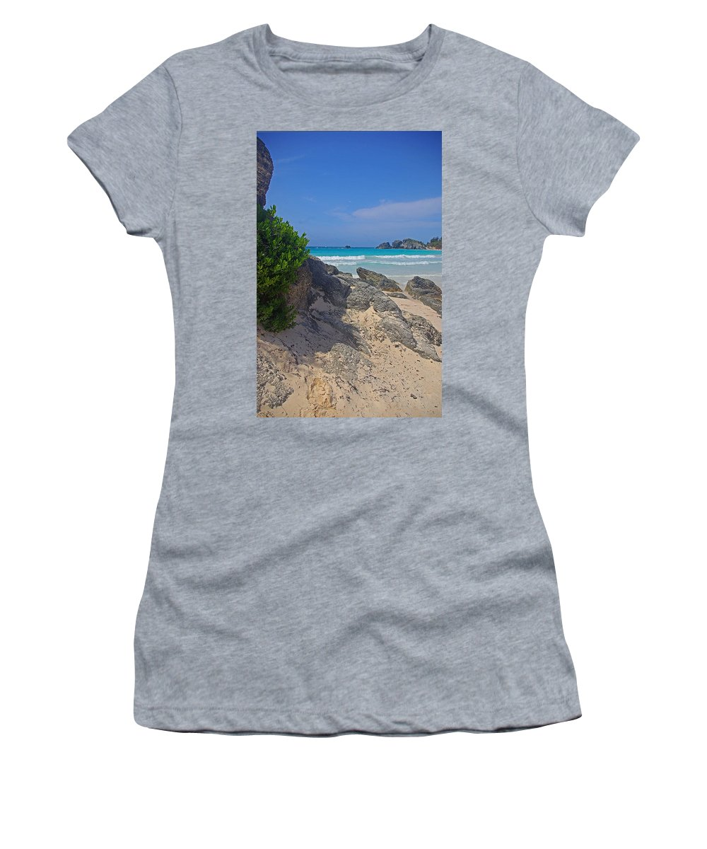 Bermuda Women's T-Shirt featuring the photograph Horseshoe Beach And Sea Grass by Rich Walter