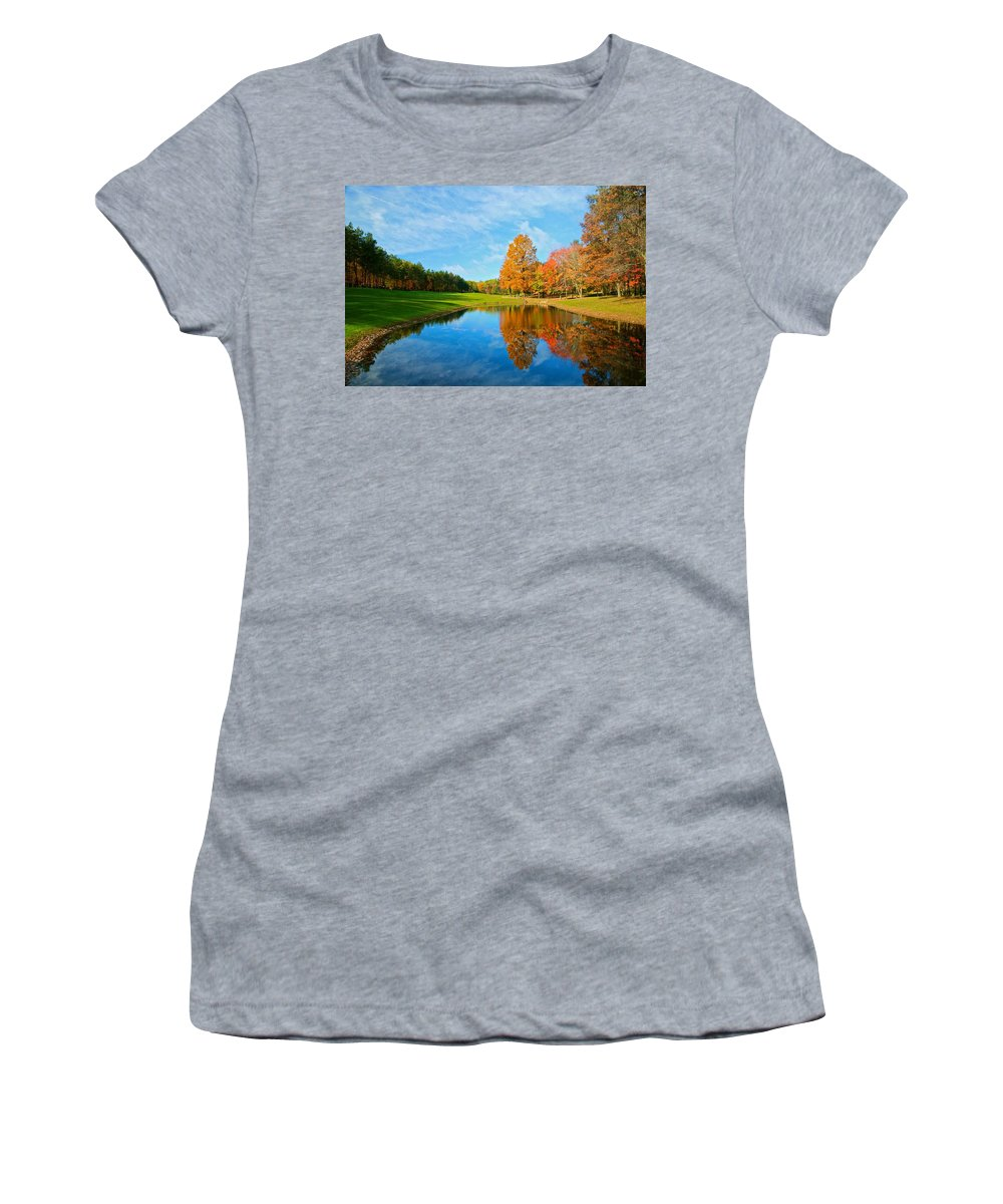 Flower Big Women's T-Shirt featuring the photograph Its A Fall Thing by Robert Pearson