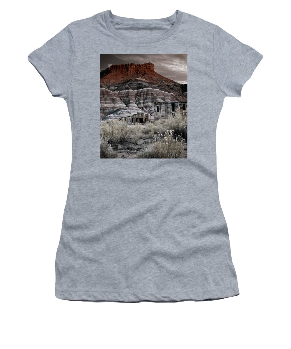 Cabin Women's T-Shirt (Athletic Fit) featuring the photograph Paria Townsite by Leland D Howard