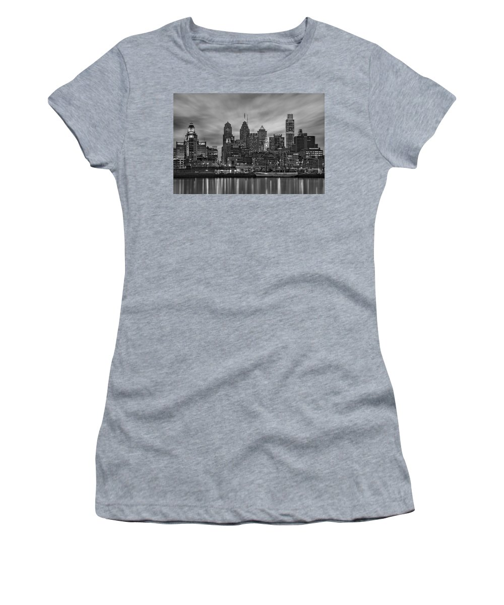 Philadelphia Skyline Women's T-Shirt featuring the photograph Philadelphia Skyline Bw by Susan Candelario