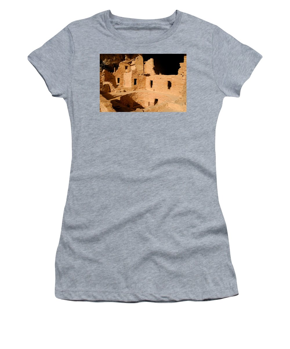 Mesa Verde National Park Women's T-Shirt (Athletic Fit) featuring the painting Place Of The Old Ones by David Lee Thompson