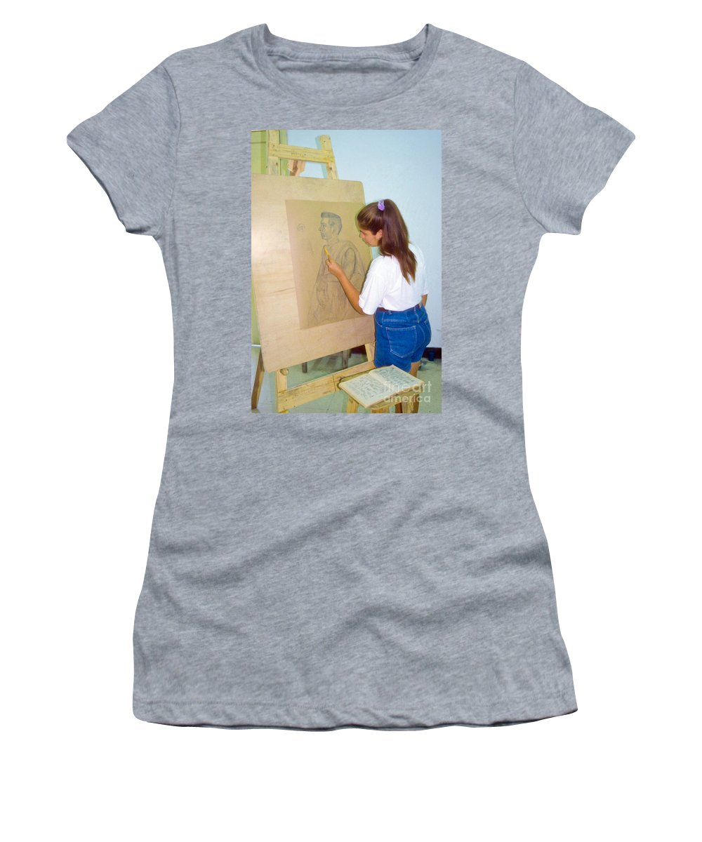 Cienfuegos Cuba Gifted-talented Fine Arts School Student Students Lady Ladies Person Persons Artist Artists Drawing Drawings Schools Creature Creatures Woman Women Women's T-Shirt (Athletic Fit) featuring the photograph The Artist by Bob Phillips