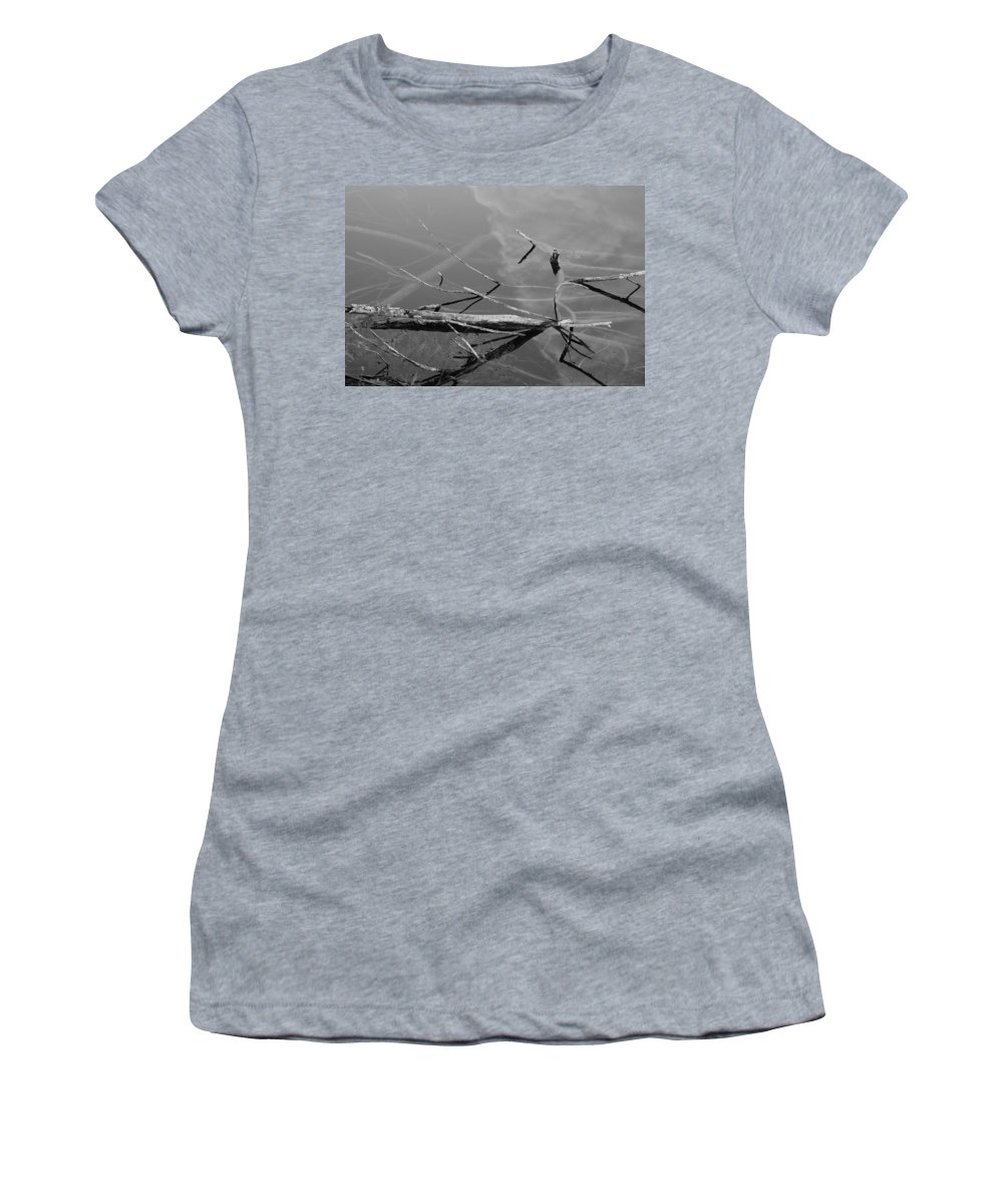 Black And White Women's T-Shirt featuring the photograph Wet Wood by Rob Hans