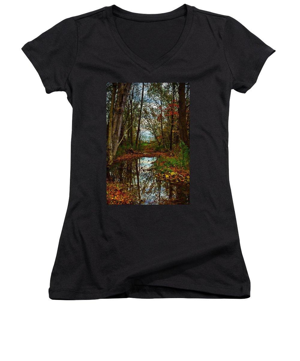 Landscape Women's V-Neck (Athletic Fit) featuring the photograph Colors Of Fall by Kristi Swift
