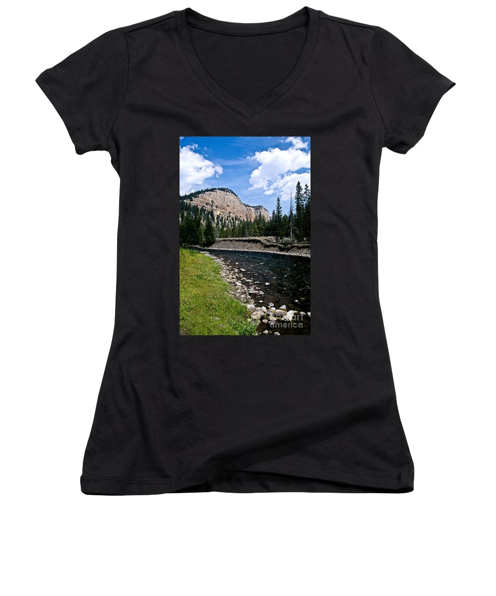 Landscape Women's V-Neck T-Shirt featuring the photograph Upriver In Washake Wilderness by Kathy McClure