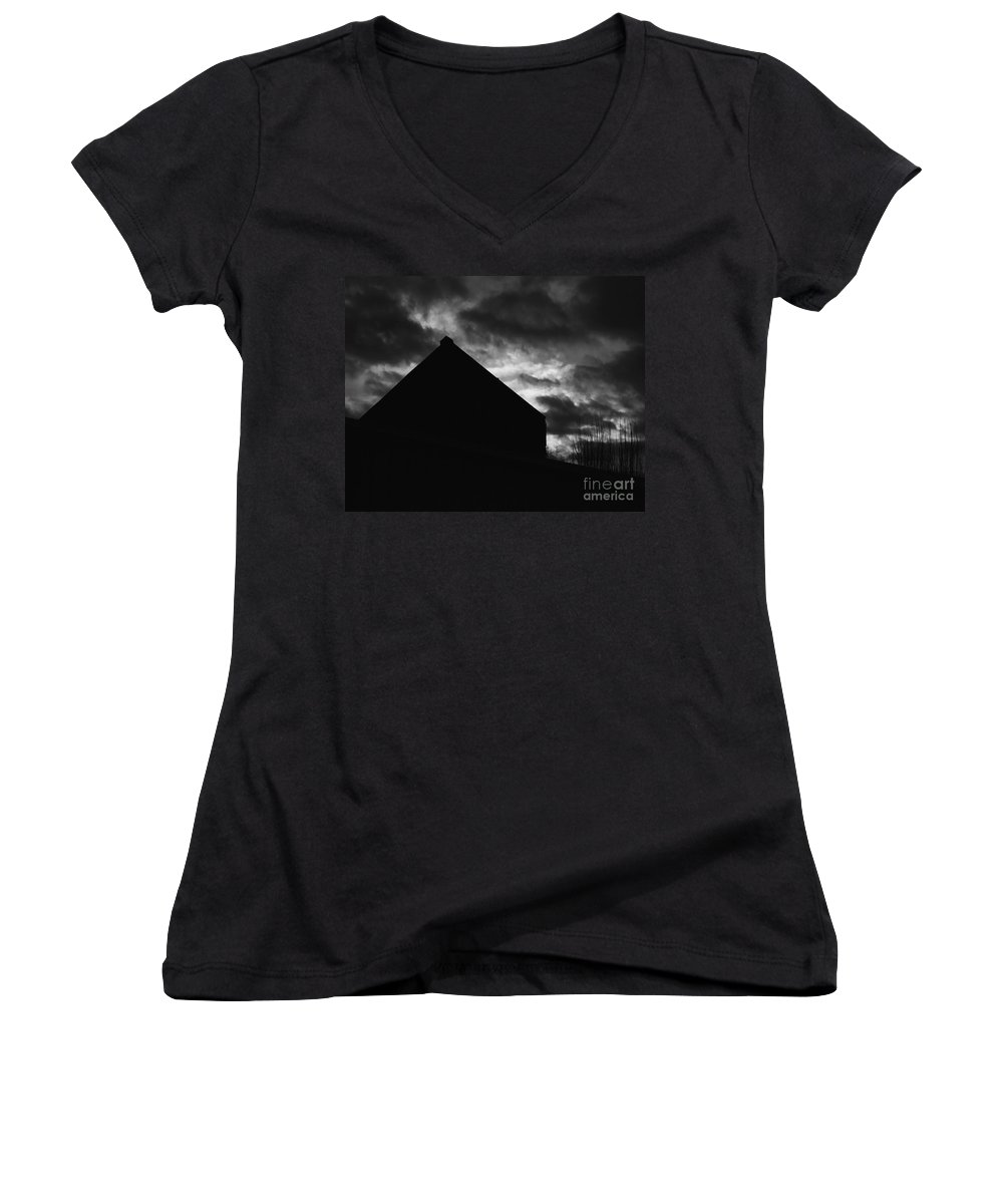 Black And White Women's V-Neck T-Shirt featuring the photograph Early Morning by Peter Piatt