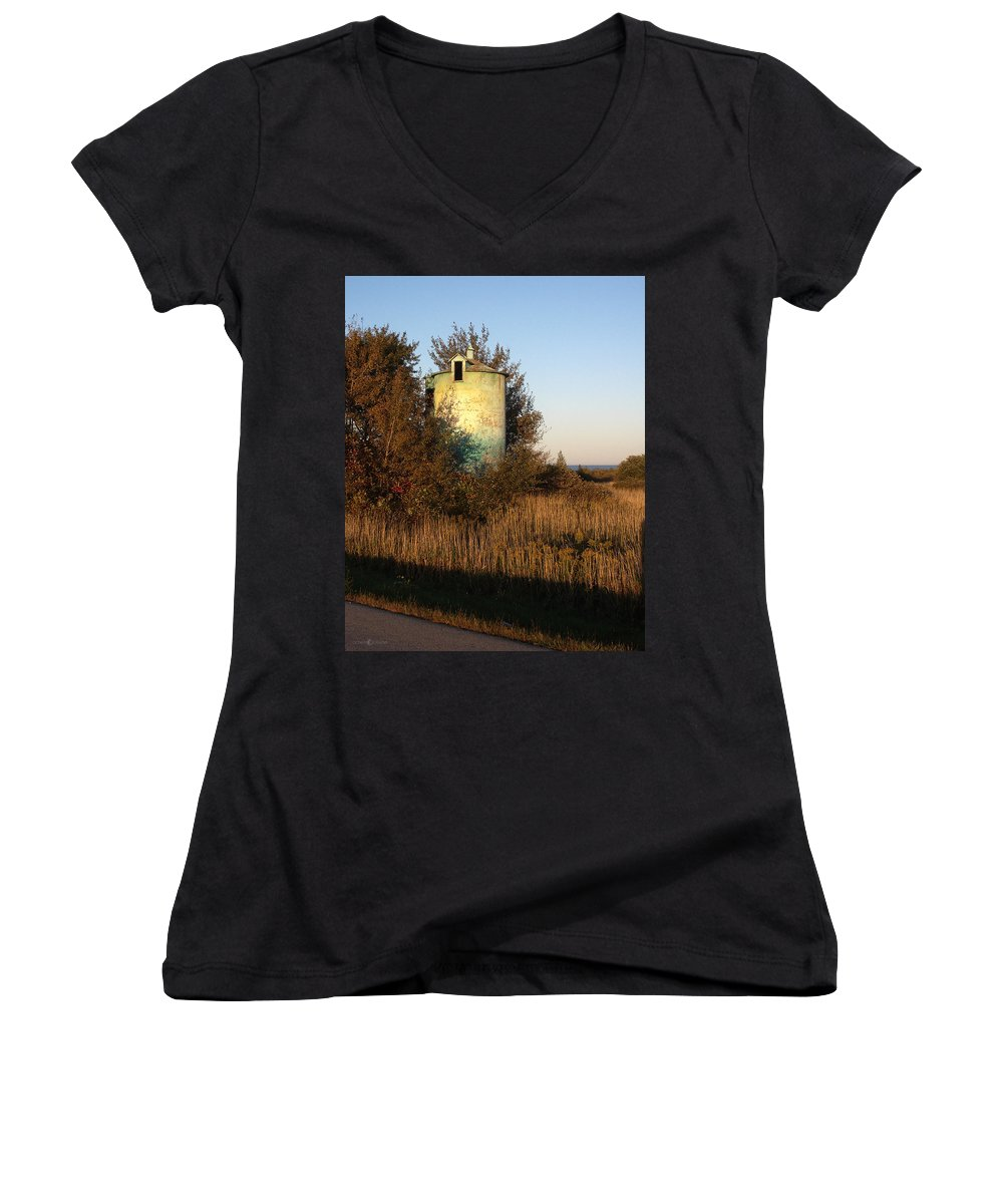 Silo Women's V-Neck T-Shirt featuring the photograph Aqua Silo by Tim Nyberg