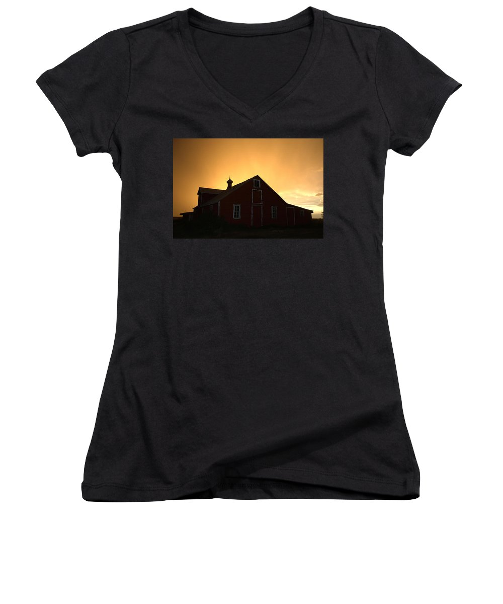 Barn Women's V-Neck T-Shirt featuring the photograph Barn At Sunset by Jerry McElroy