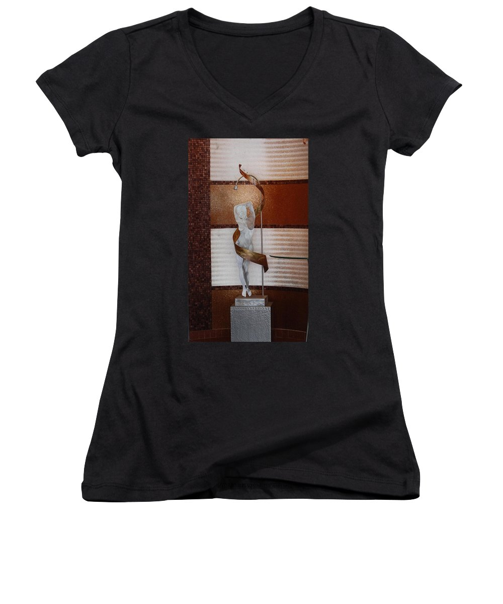 Statue Women's V-Neck (Athletic Fit) featuring the photograph Erotic Museum Piece by Rob Hans