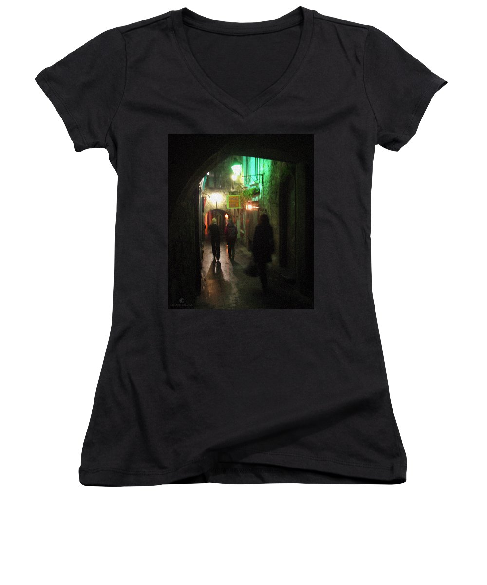 Ireland Women's V-Neck (Athletic Fit) featuring the photograph Evening Shoppers by Tim Nyberg