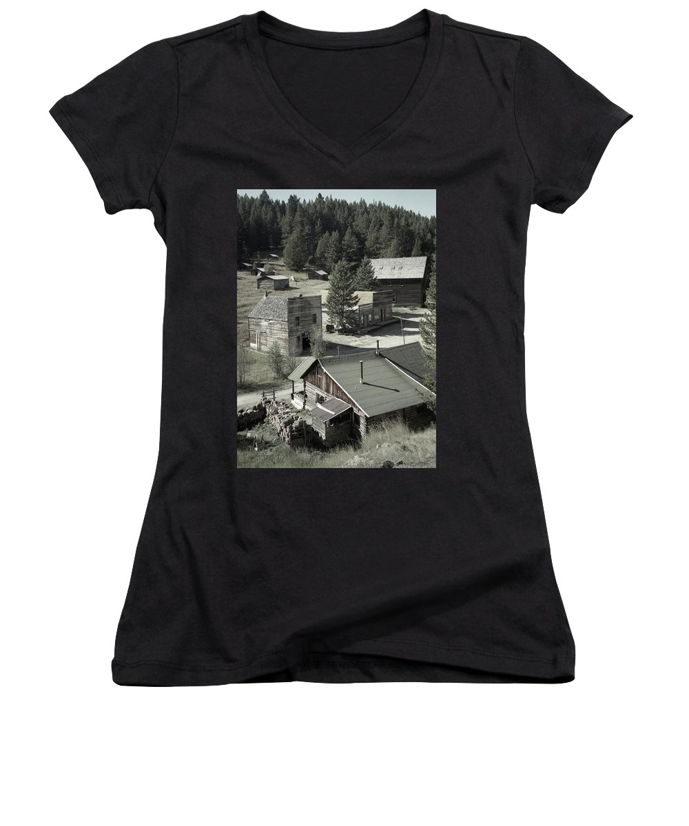 Ghost Towns Women's V-Neck T-Shirt featuring the photograph Life In A Ghost Town by Richard Rizzo