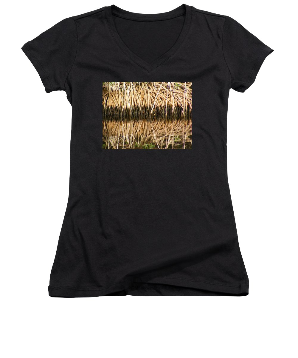 Plants Women's V-Neck T-Shirt featuring the photograph Little Feet by Ed Smith