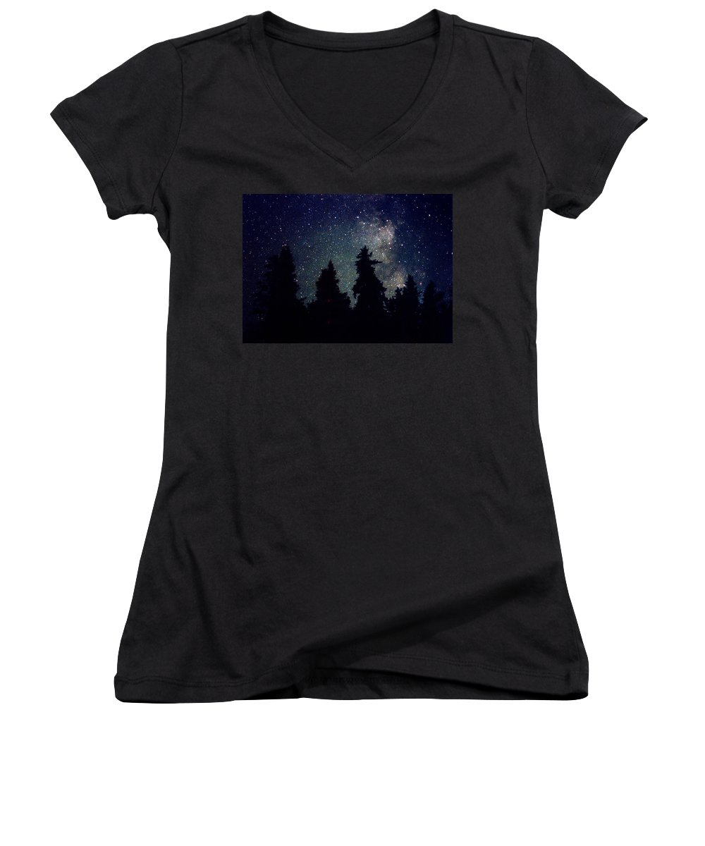 Milky Way Women's V-Neck T-Shirt featuring the photograph Milky Way Above Northern Forest 22 by Lyle Crump