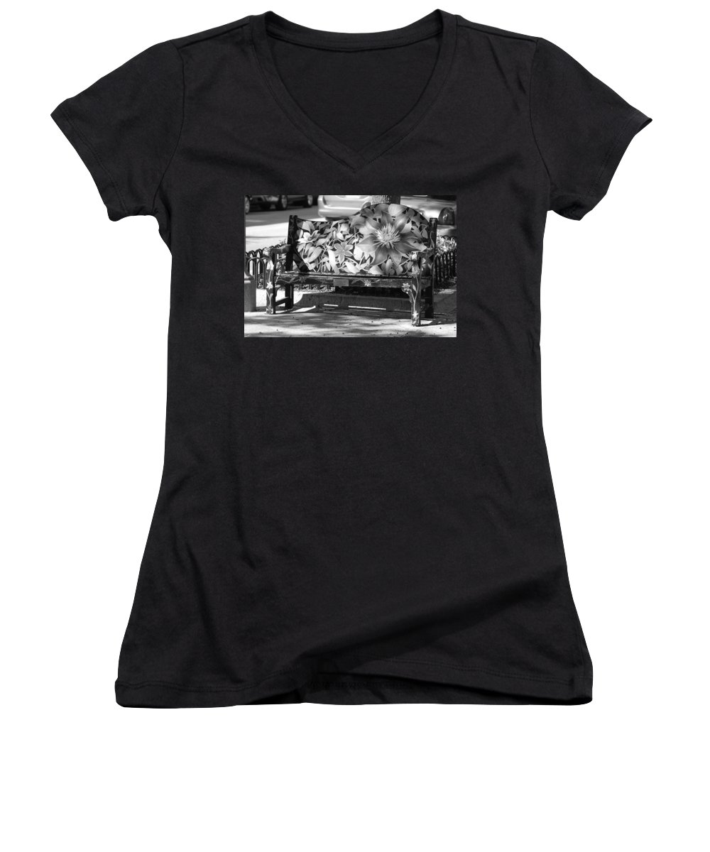 Pop Art Women's V-Neck T-Shirt featuring the photograph Painted Bench by Rob Hans