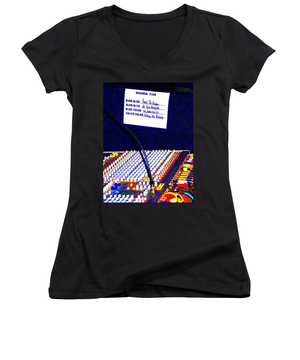 Still Life Women's V-Neck T-Shirt featuring the photograph Plugged In by Ed Smith