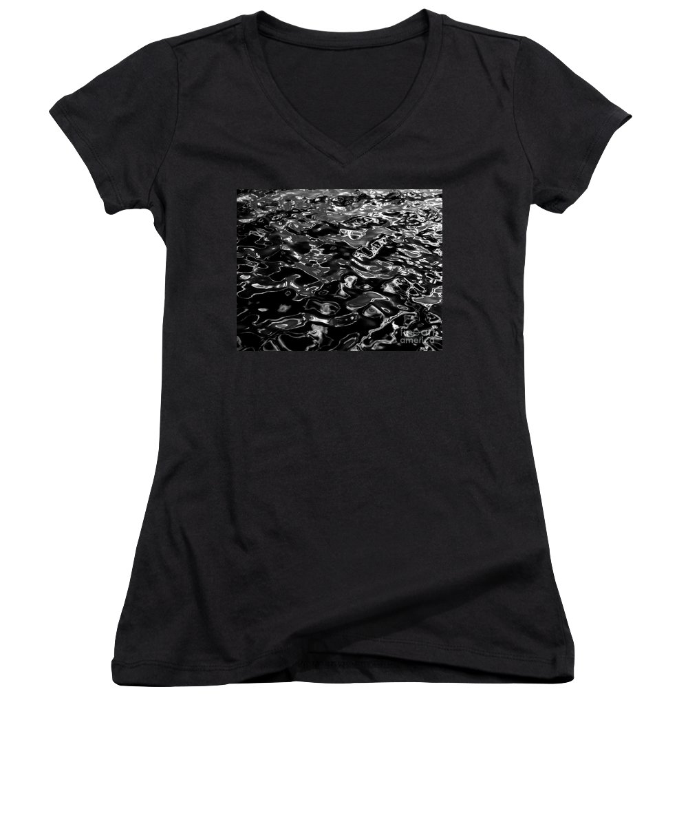 Black And White Women's V-Neck T-Shirt featuring the photograph Ripples by Peter Piatt