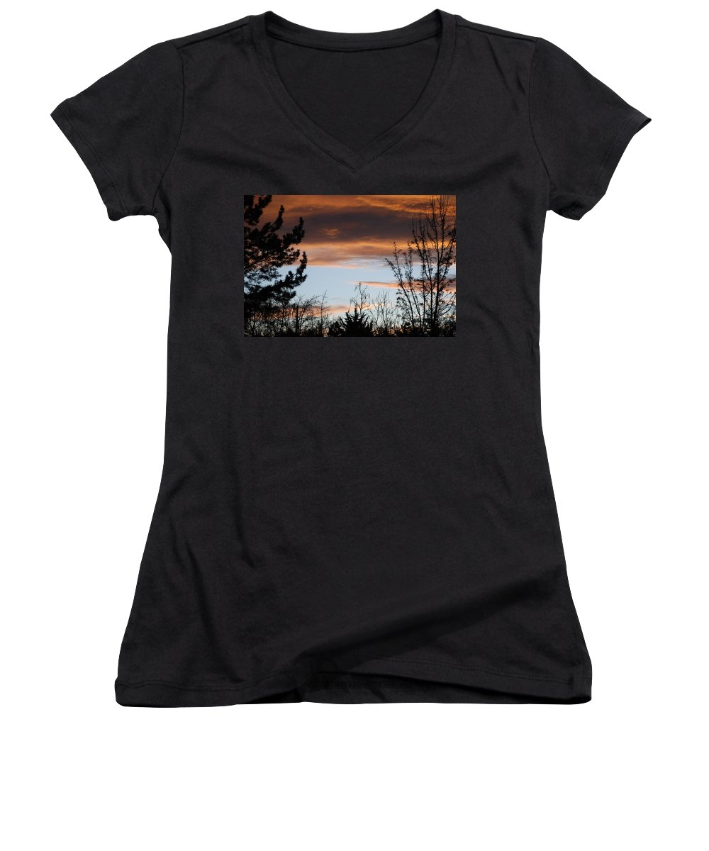 Sunset Women's V-Neck T-Shirt featuring the photograph Sunset Thru The Trees by Rob Hans
