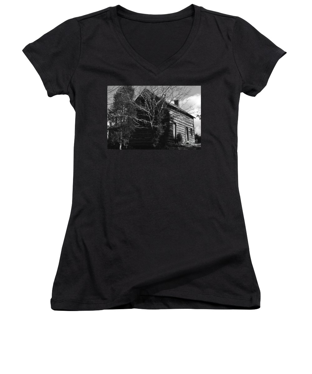 Cabins Women's V-Neck (Athletic Fit) featuring the photograph The Homestead by Richard Rizzo