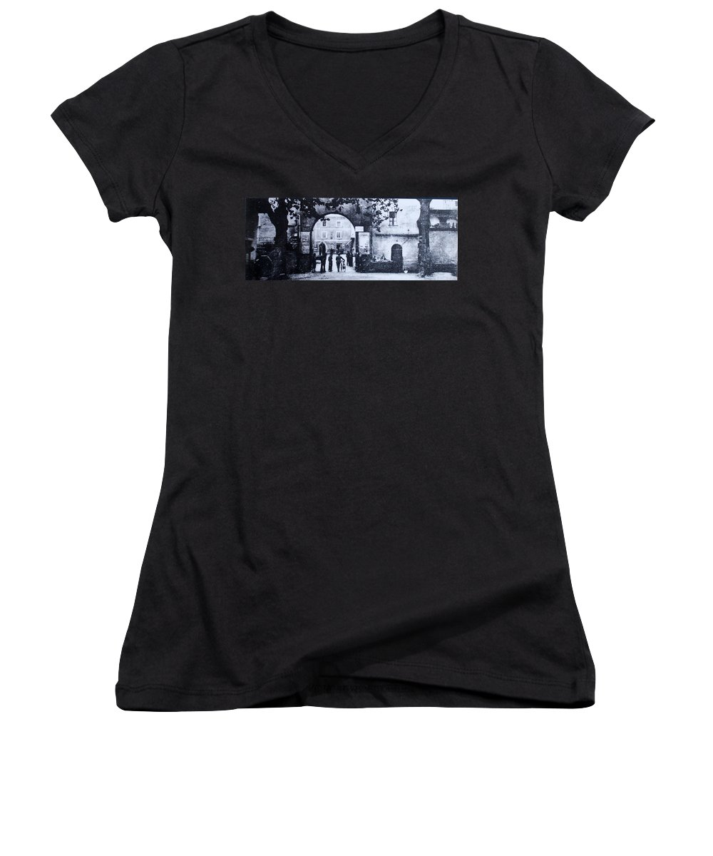 Tuscany Women's V-Neck T-Shirt featuring the photograph Villafranca by Kurt Hausmann