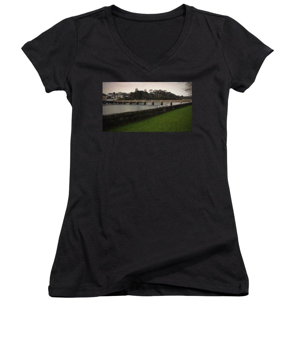 Footbridge Women's V-Neck T-Shirt featuring the photograph Wicklow Footbridge by Tim Nyberg