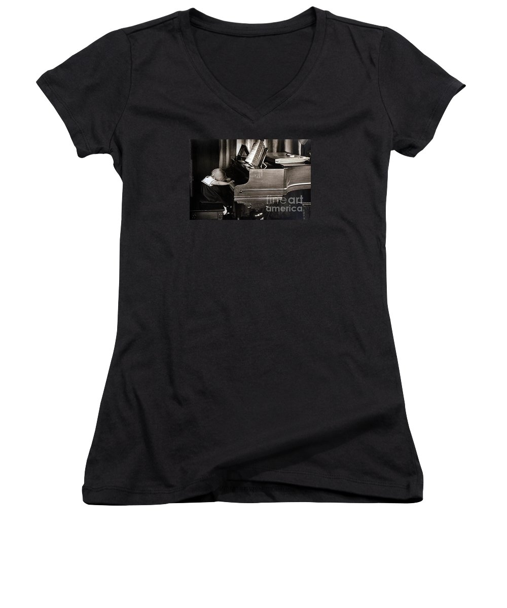 Piano Women's V-Neck T-Shirt featuring the photograph Young Beethoven by Michael Ziegler