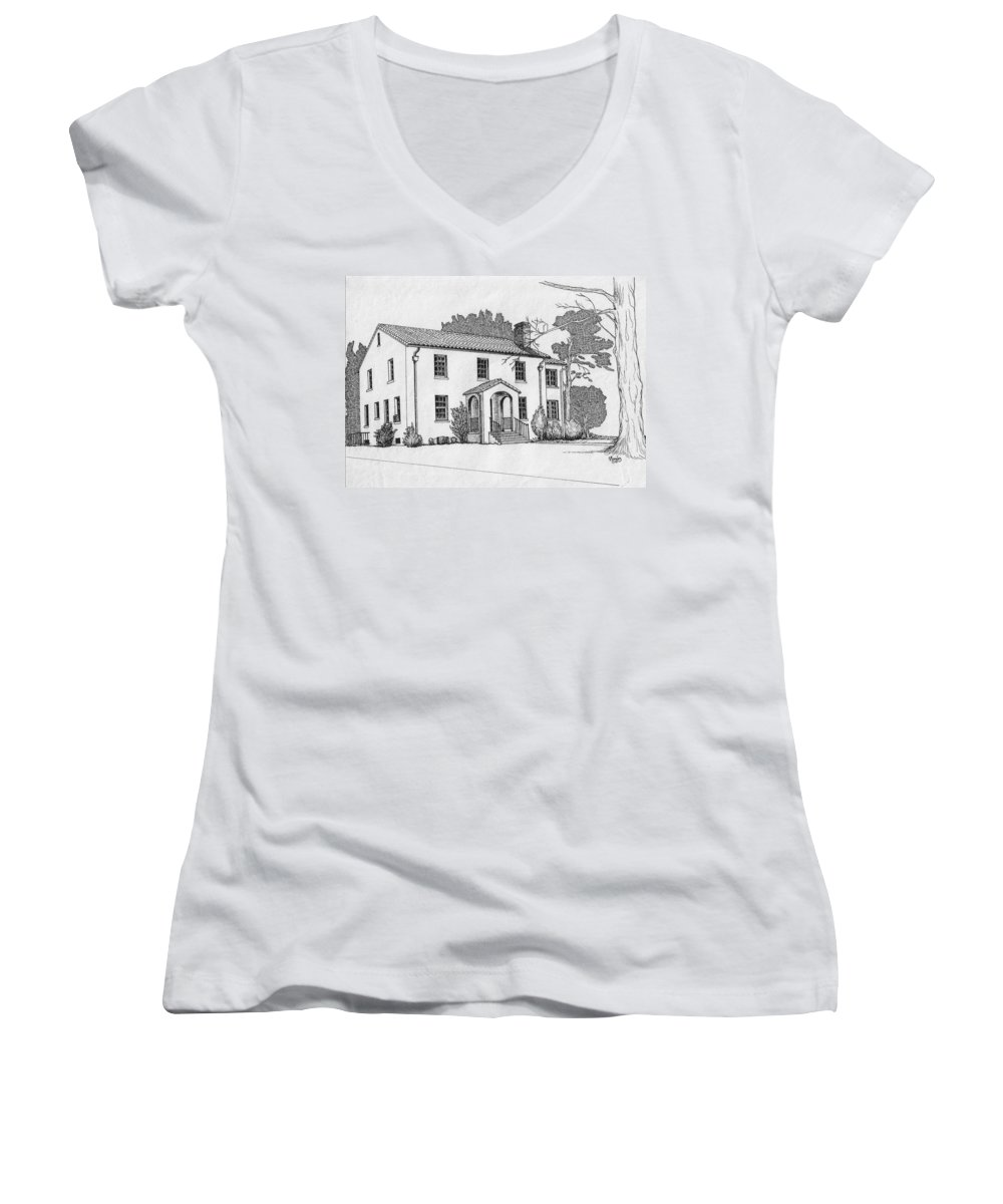 Drawing - Pen And Ink Women's V-Neck (Athletic Fit) featuring the drawing Colonel Quarters 2 - Fort Benning Ga by Marco Morales