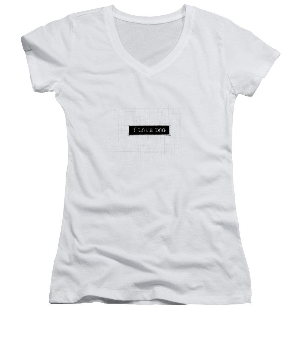 Dog Women's V-Neck T-Shirts