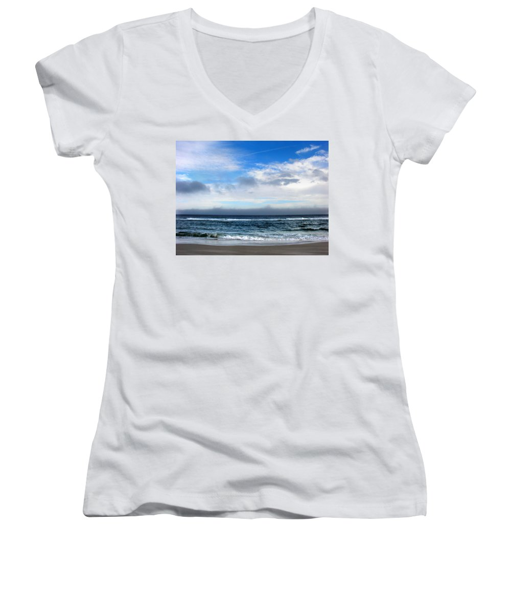 Seascape Women's V-Neck T-Shirt featuring the photograph Receding Fog Seascape by Steve Karol