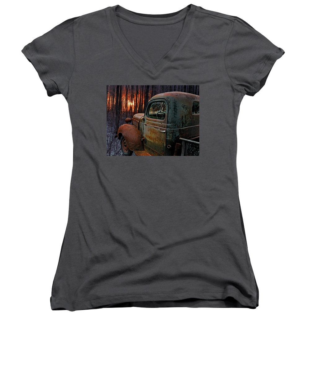 Pickup Women's V-Neck T-Shirt featuring the photograph Deer Hunting by Ron Day