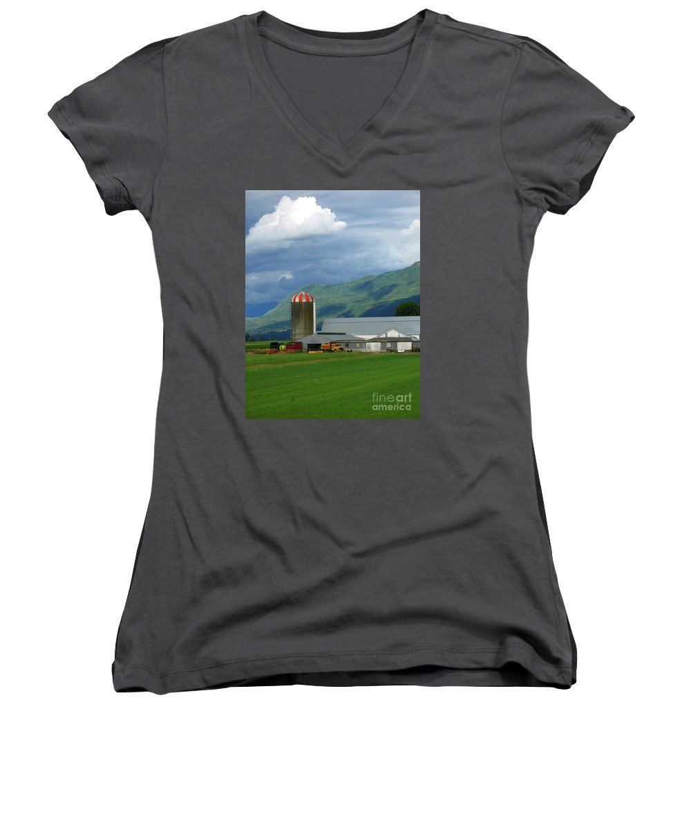 Farm Women's V-Neck (Athletic Fit) featuring the photograph Farm In The Valley by Ann Horn