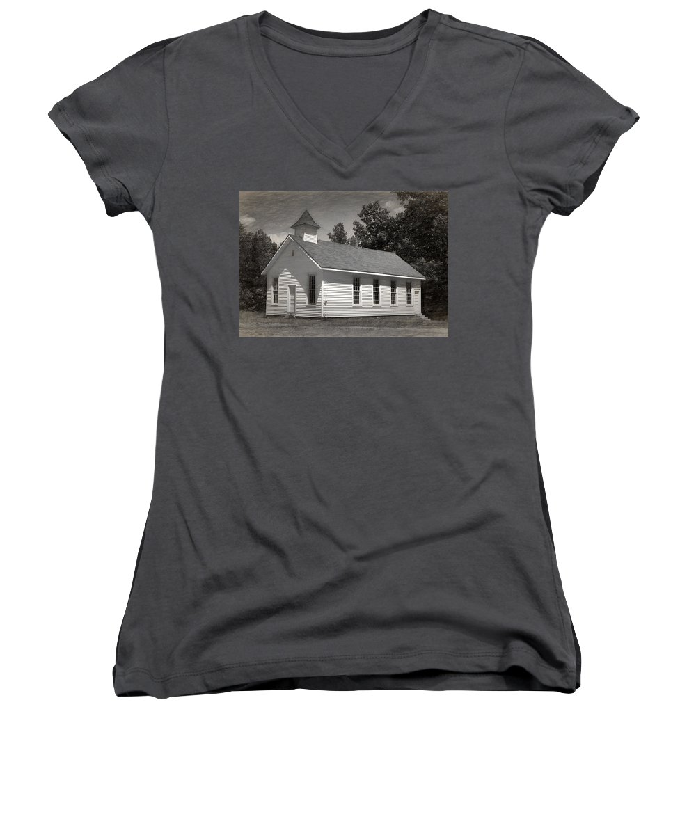 Abandoned Women's V-Neck T-Shirt featuring the photograph Meeting House by Richard Rizzo