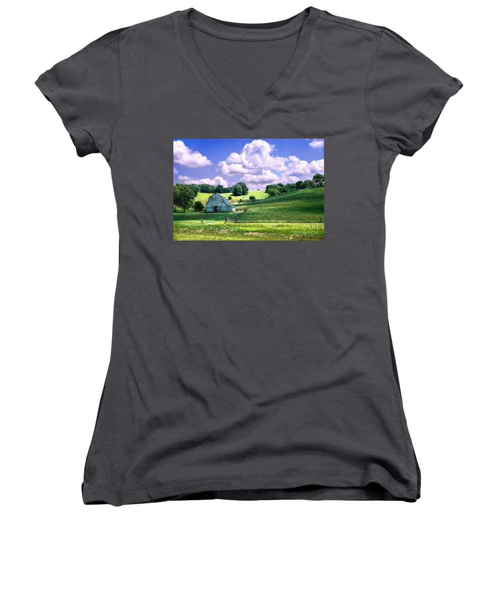 Landscape Women's V-Neck T-Shirt featuring the photograph Missouri River Valley by Steve Karol