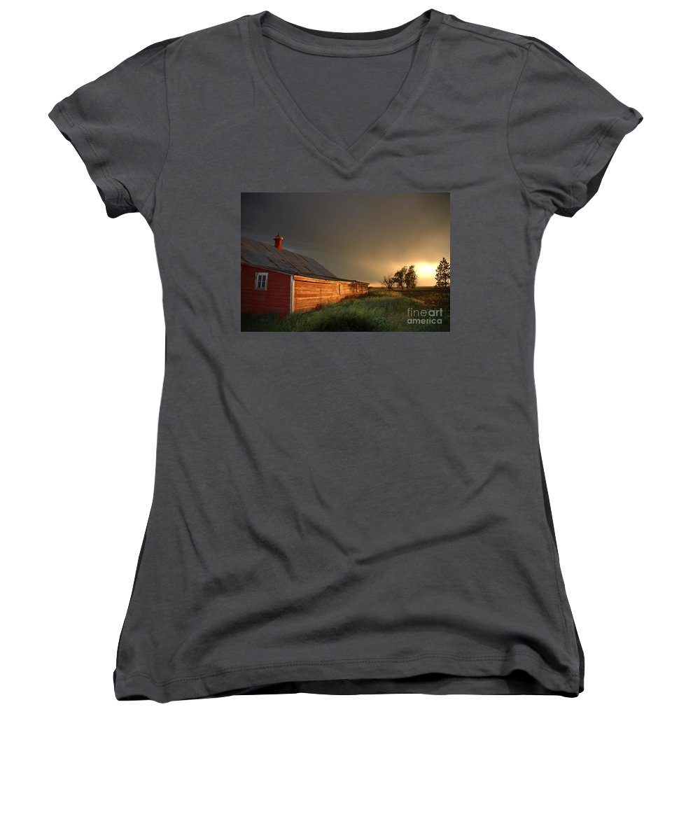Barn Women's V-Neck T-Shirt featuring the photograph Red Barn At Sundown by Jerry McElroy
