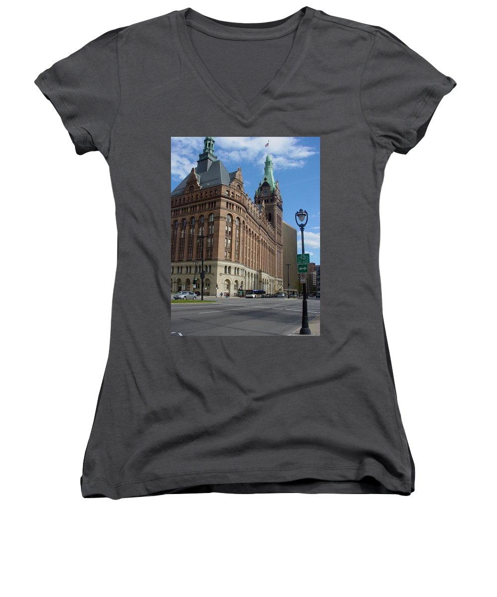 Milwaukee Women's V-Neck T-Shirt featuring the photograph City Hall And Lamp Post by Anita Burgermeister