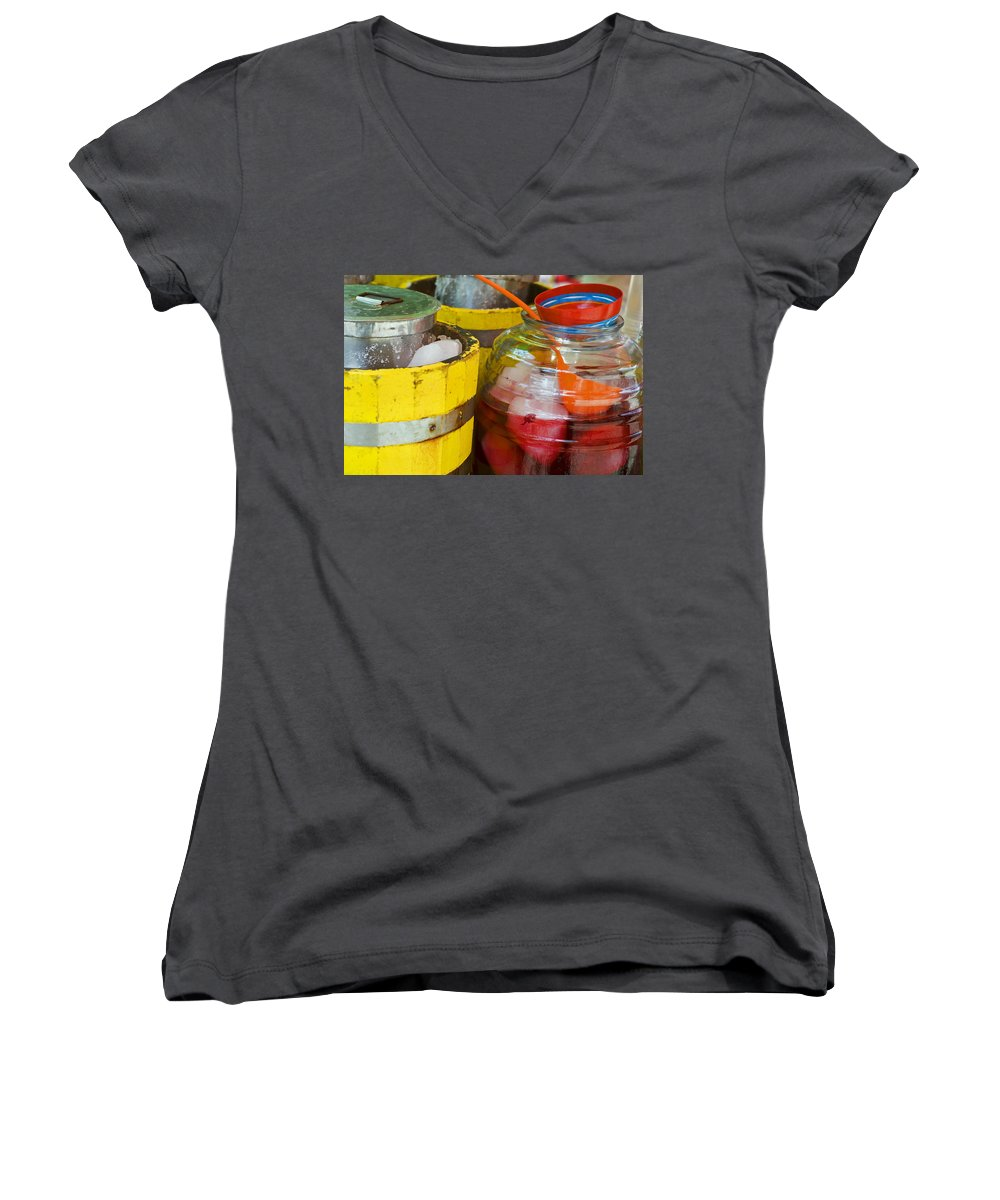 Beverage Women's V-Neck T-Shirt featuring the photograph Agua De Hamaica by Skip Hunt