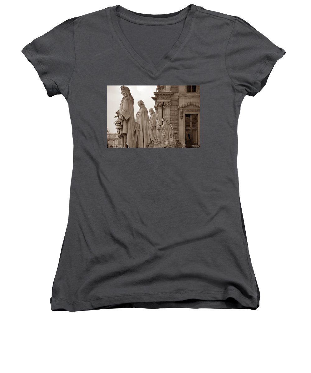 Paris Women's V-Neck (Athletic Fit) featuring the photograph Art Observing Life by J Todd