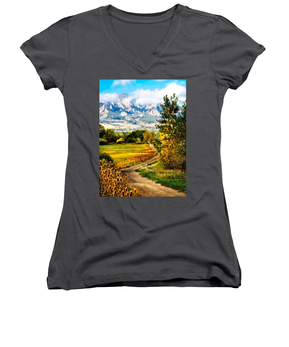 Americana Women's V-Neck T-Shirt featuring the photograph Clearly Colorado by Marilyn Hunt