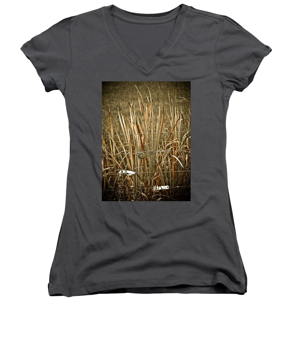 Americana Women's V-Neck T-Shirt featuring the photograph Cowboy Fence by Marilyn Hunt