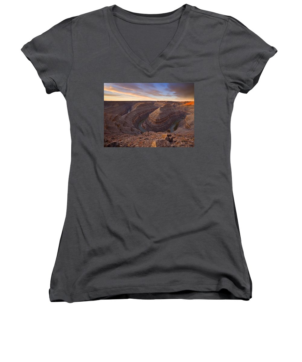 Goosenecks State Park Women's V-Neck (Athletic Fit) featuring the photograph Doubleback by Mike Dawson