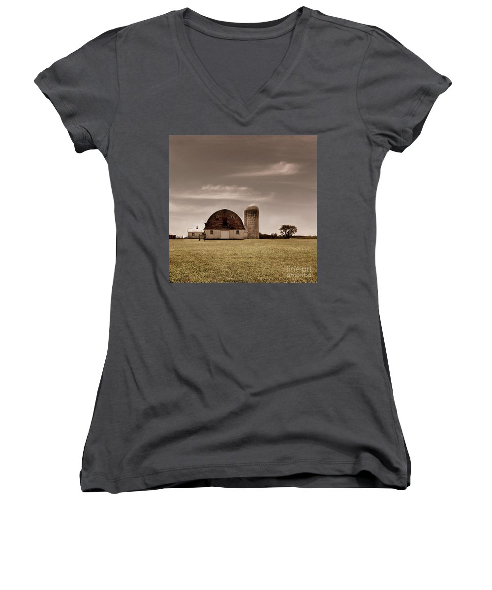 Farm Women's V-Neck T-Shirt featuring the photograph Dry Earth Crumbles Between My Fingers And I Look To The Sky For Rain by Dana DiPasquale