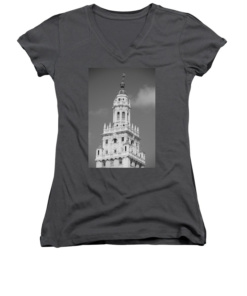 Architecture Women's V-Neck T-Shirt featuring the photograph Miami Tower by Rob Hans