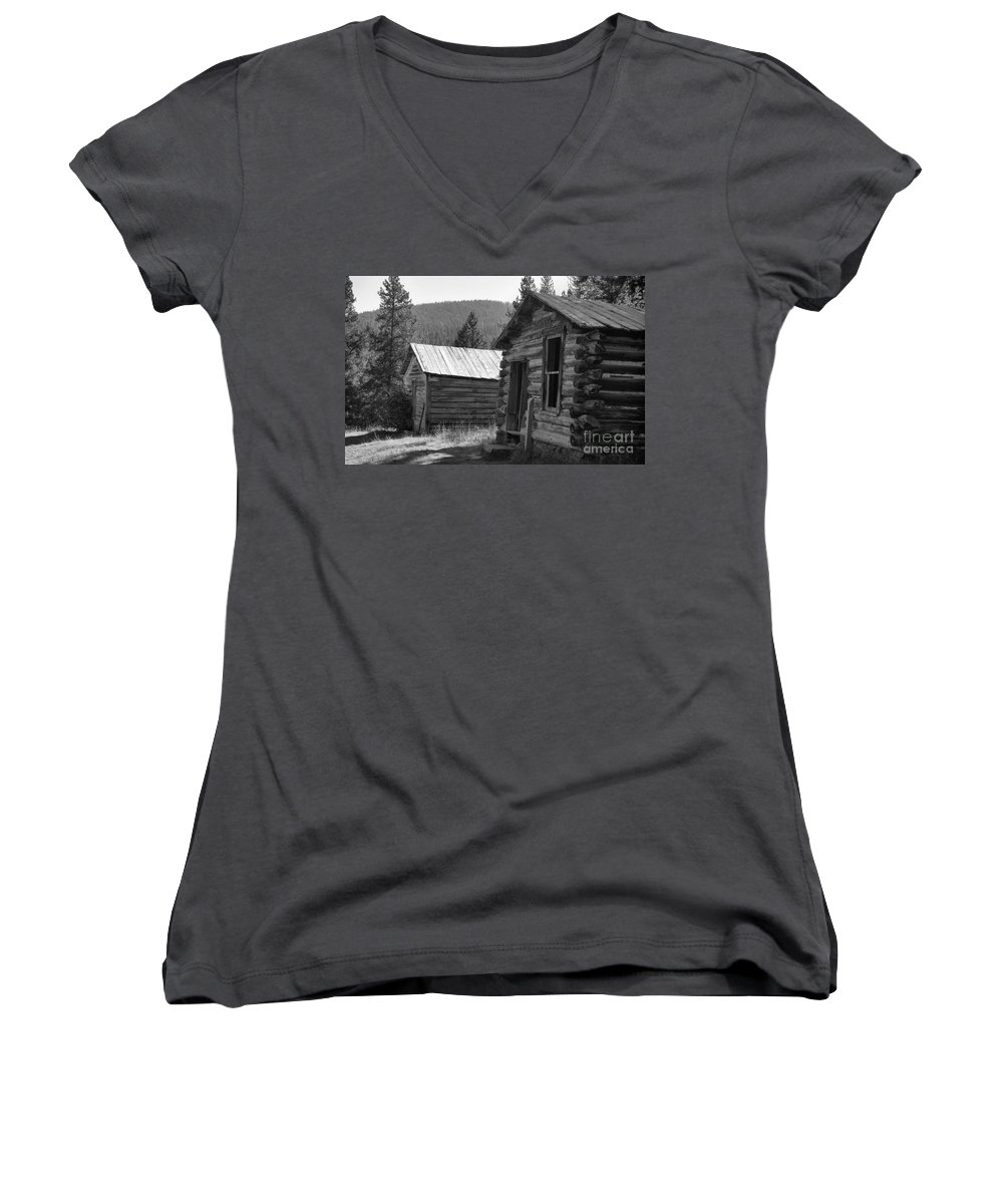 Abandoned Women's V-Neck T-Shirt featuring the photograph Neighbors by Richard Rizzo