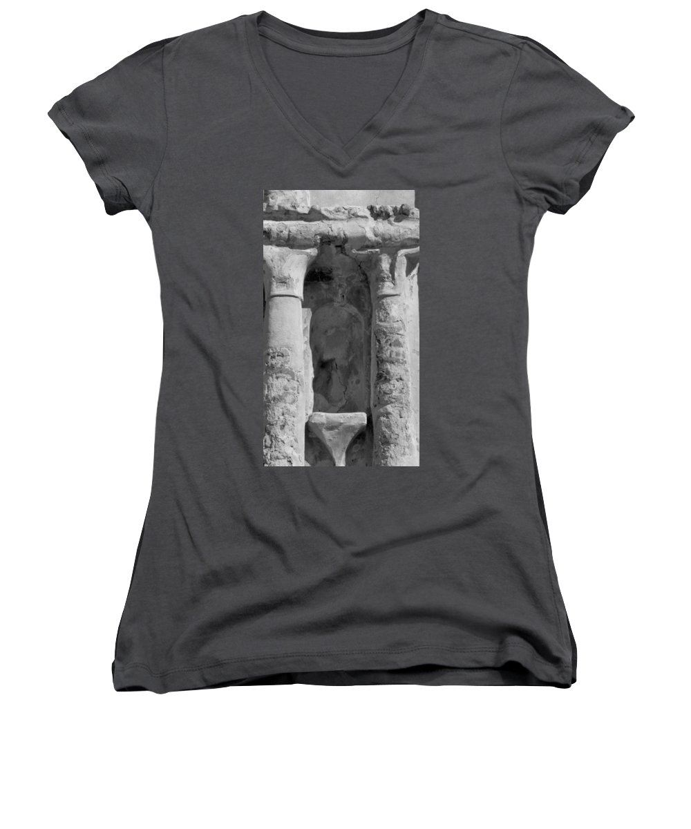 Niche Women's V-Neck T-Shirt featuring the photograph Niche by Kathy McClure