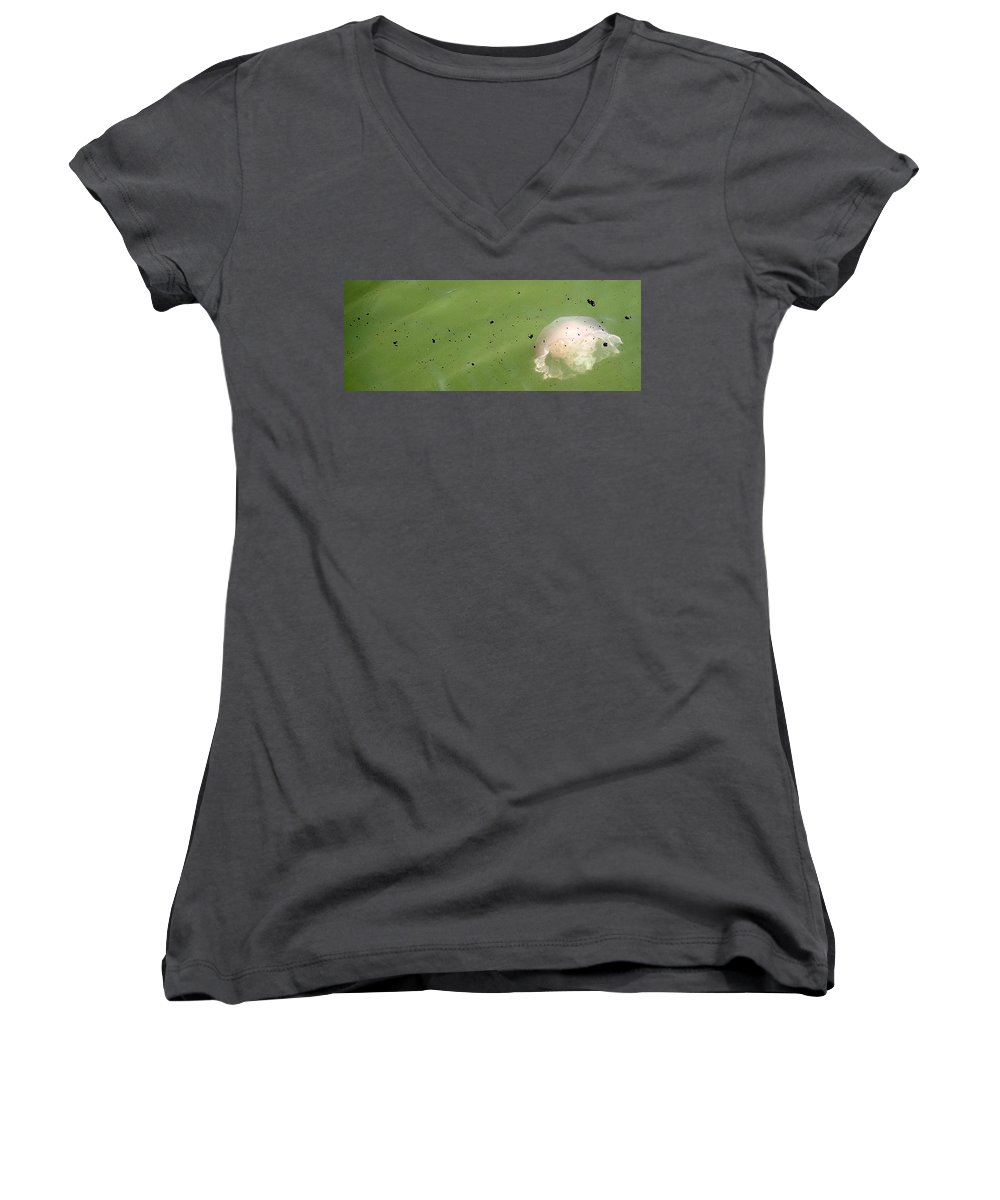 Oil Spill Women's V-Neck (Athletic Fit) featuring the photograph Oil Vs Jellyfish by Kurt Hausmann