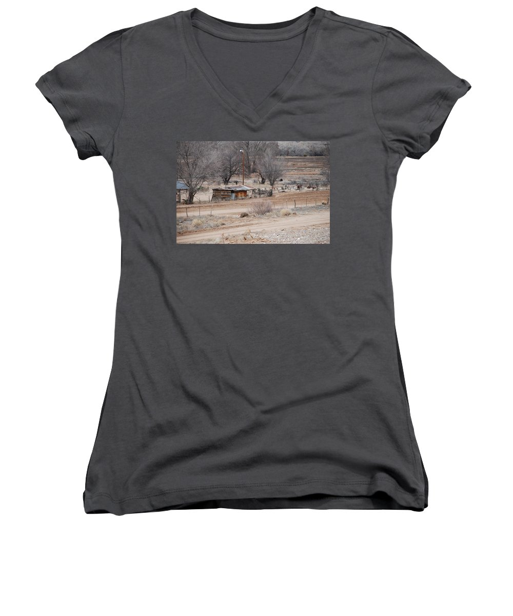 House Women's V-Neck T-Shirt featuring the photograph Old Ranch House by Rob Hans