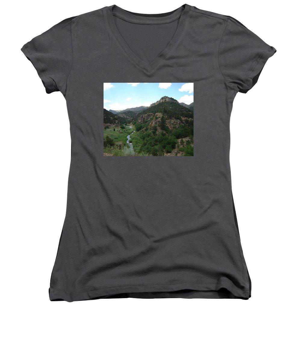 Shelf Road Women's V-Neck T-Shirt featuring the photograph Shelf Road Vista by Anita Burgermeister