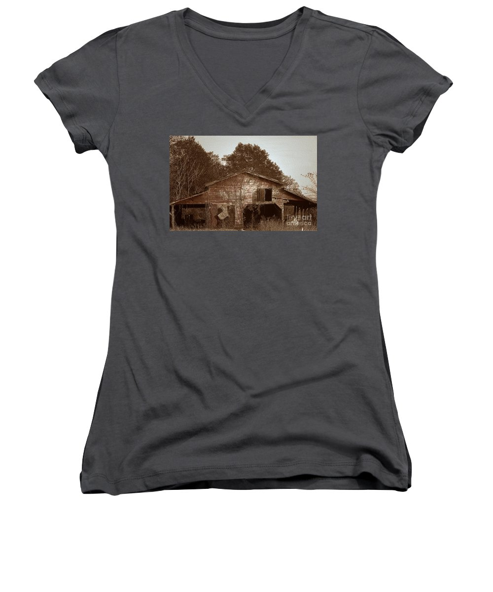 Barn Women's V-Neck T-Shirt featuring the photograph Still Working by Amanda Barcon