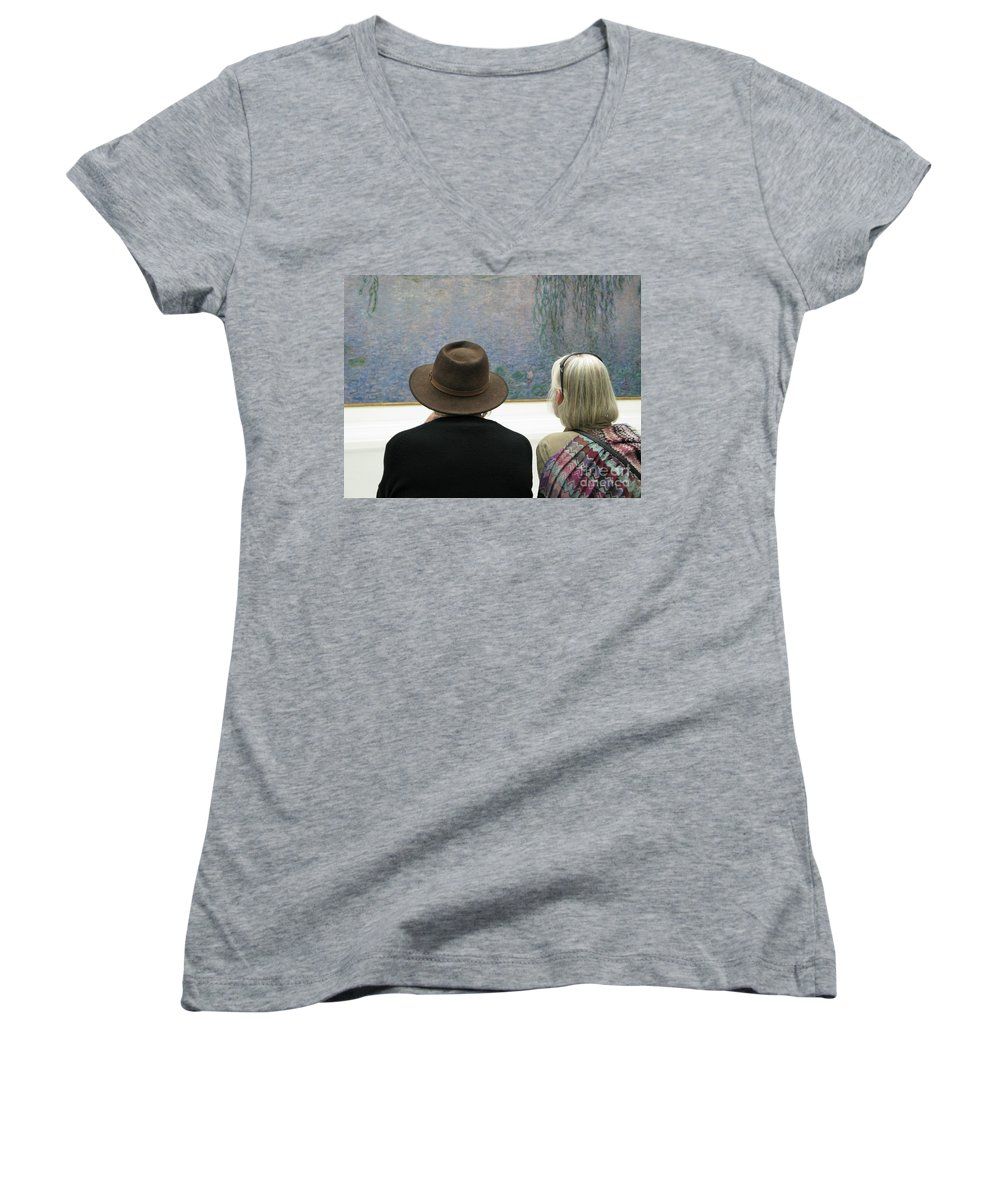 People Women's V-Neck (Athletic Fit) featuring the photograph Contemplating Art by Ann Horn